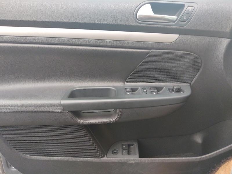 Volkswagen Jetta 2010 price $5,695 Cash