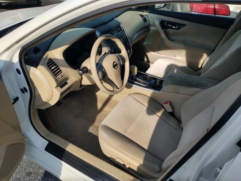 Nissan Altima 2013 price $8,390