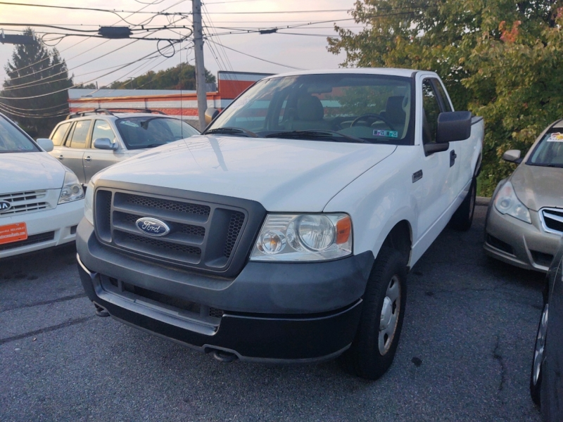 Ford F-150 2005 price $3,690 Cash