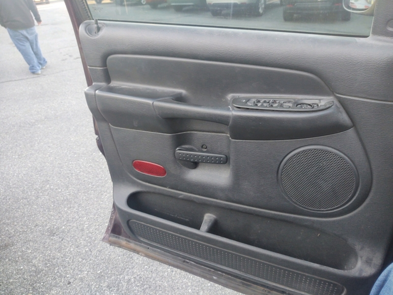 Dodge Ram 1500 2004 price $7,190 Cash