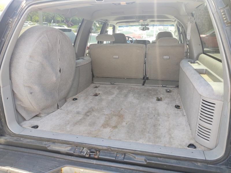 Chevrolet Suburban 1999 price $3,390