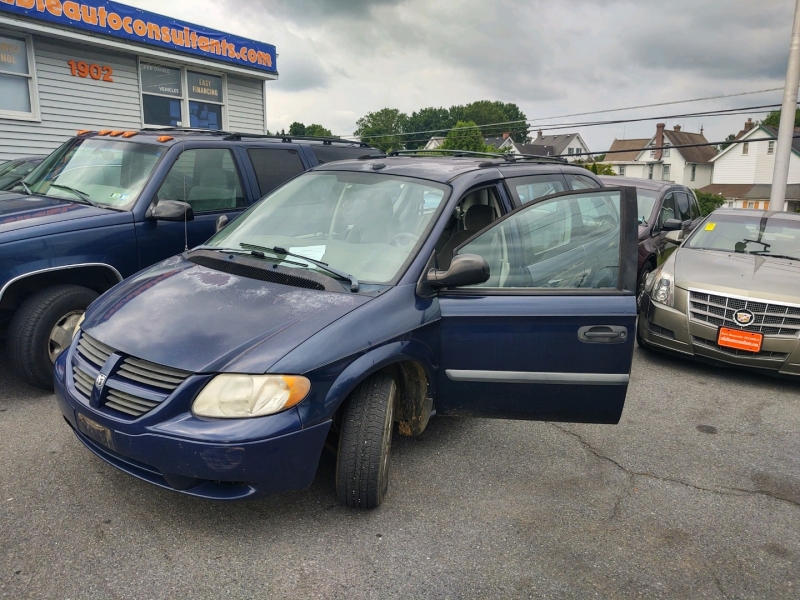 Dodge Grand Caravan 2005 price $3,490