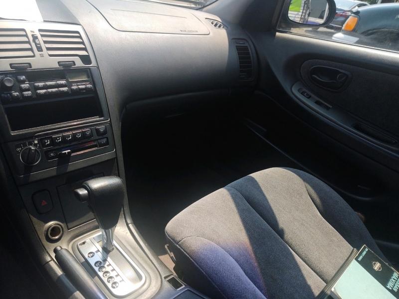 Nissan Maxima 2000 price $3,195 Cash