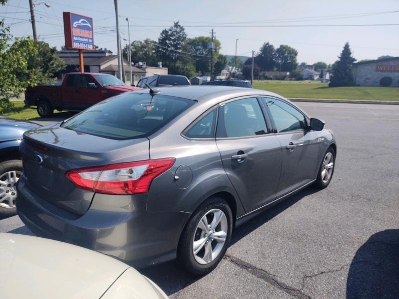 Ford Focus 2013 price $5,990 Cash