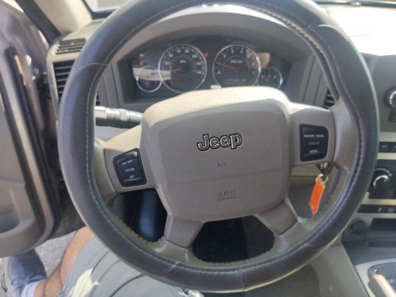 Jeep Grand Cherokee 2007 price $5,990 Cash