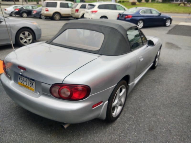 Mazda MX-5 Miata 2002 price $6,850