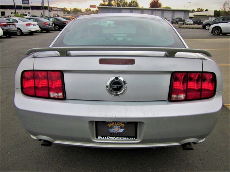 Ford Mustang 2006 price $7,500