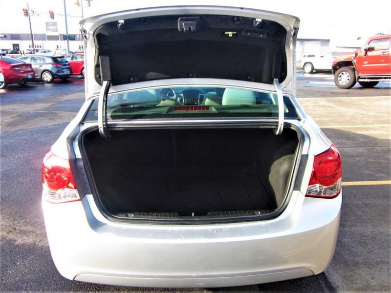 Chevrolet Cruze 2013 price $8,500