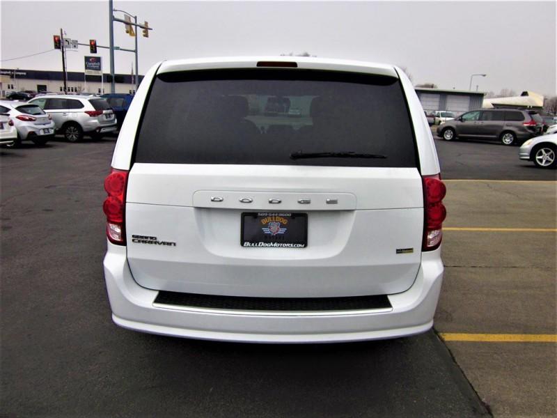 Dodge Grand Caravan 2016 price $8,800