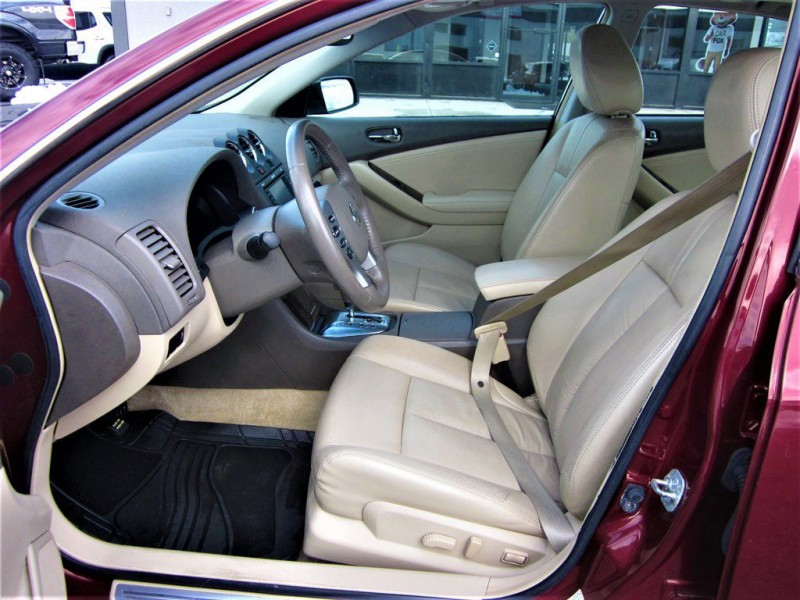 Nissan Altima 2011 price $9,700