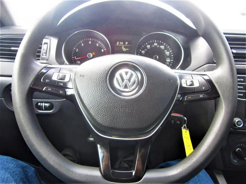 Volkswagen Jetta Sedan 2016 price $12,800