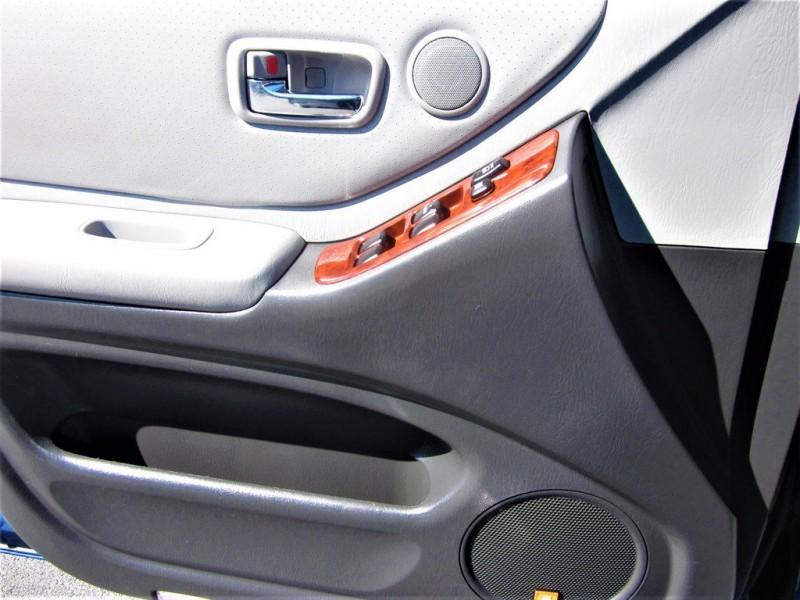 Toyota Highlander 2005 price $10,900