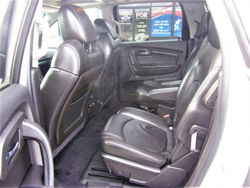 Chevrolet Traverse 2011 price $10,800