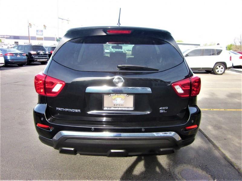 Nissan Pathfinder 2018 price $26,600