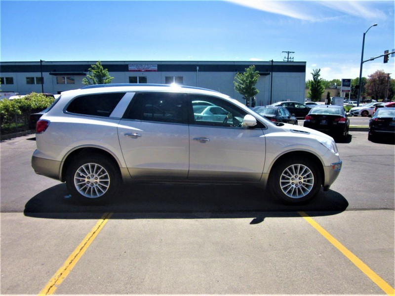 Buick Enclave 2012 price $15,680