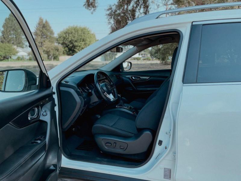Nissan Rogue 2018 price $22,888
