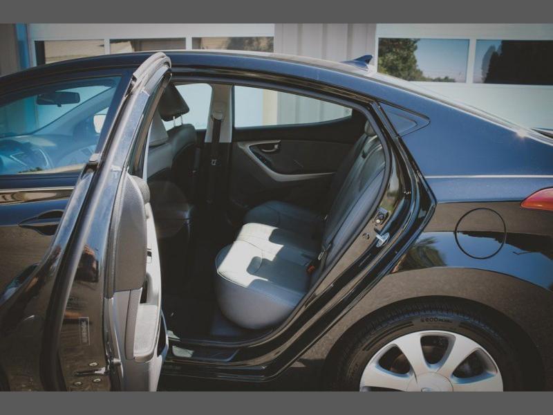 Hyundai Elantra 2011 price $9,888