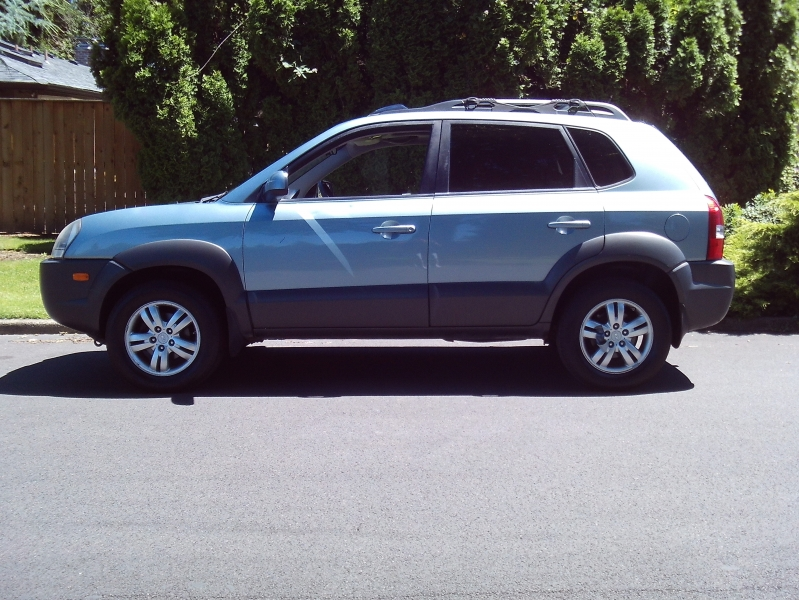 Hyundai Tucson 2008 price $2,650