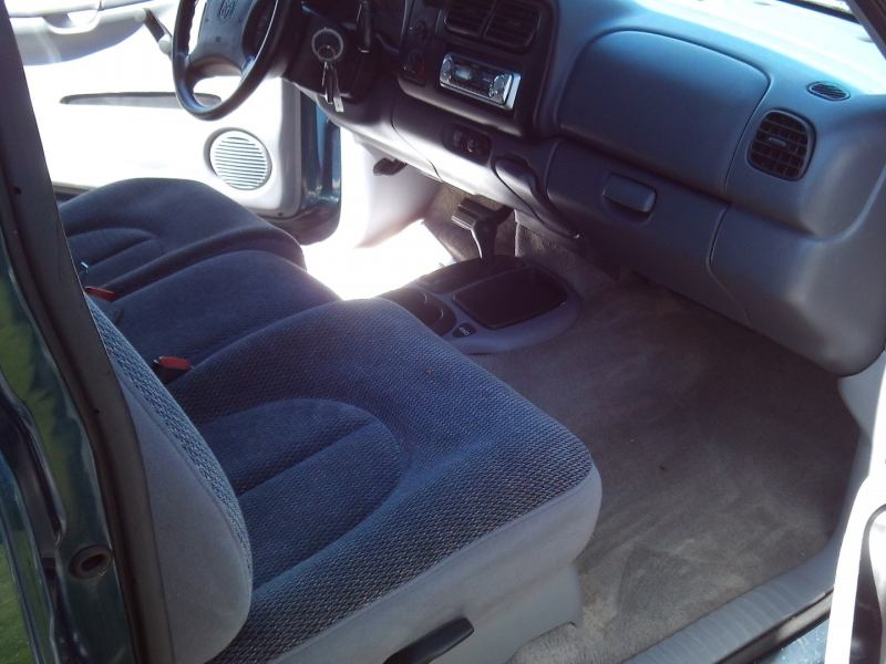 Dodge Dakota 1997 price $4,999