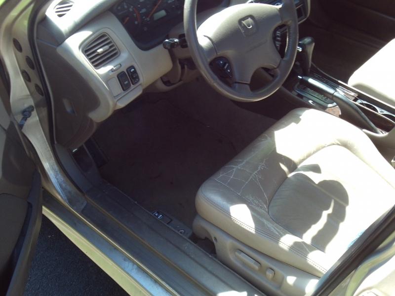 Honda Accord 2001 price $1,995
