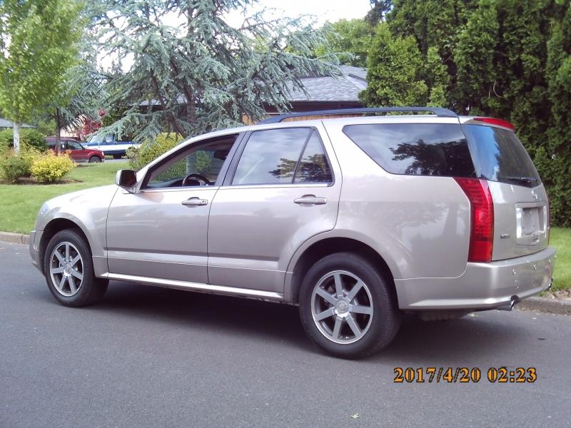 Cadillac SRX 2004 price $4,995