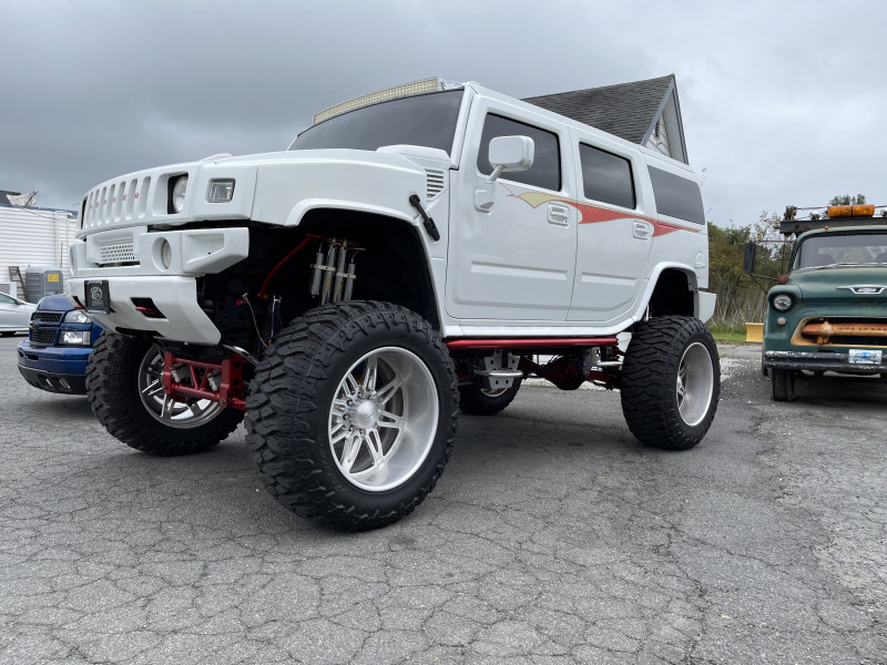 Hummer H2 2003 price $49,500