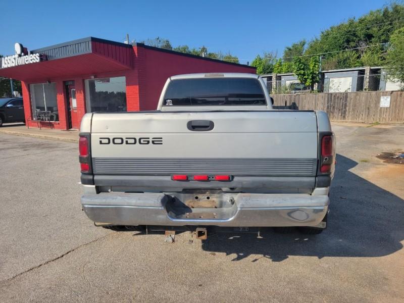 Dodge RAM PICKUP 3500 2001 price $9,999