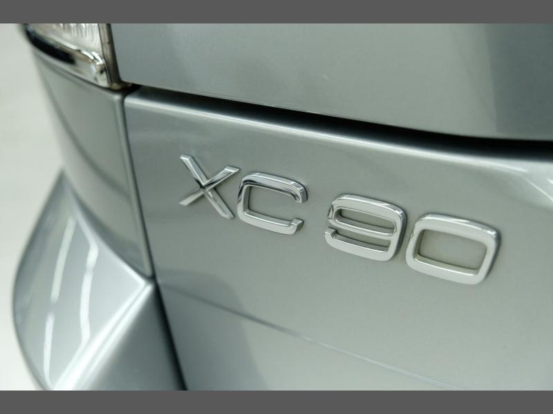 Volvo XC90 2013 price $9,995