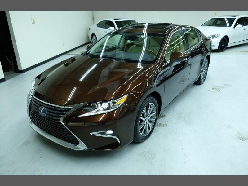 Lexus ES 300h 2016 price $21,995