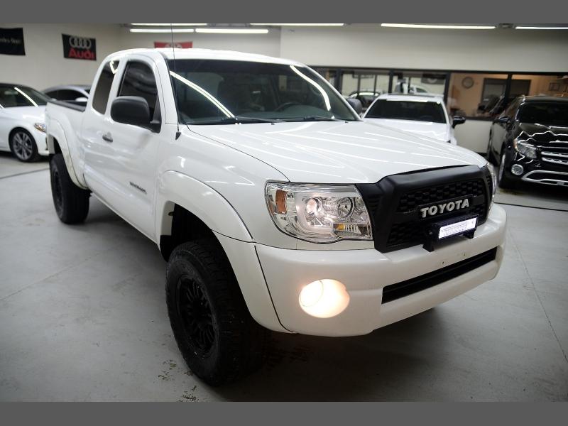 Toyota Tacoma 2006 price $9,995