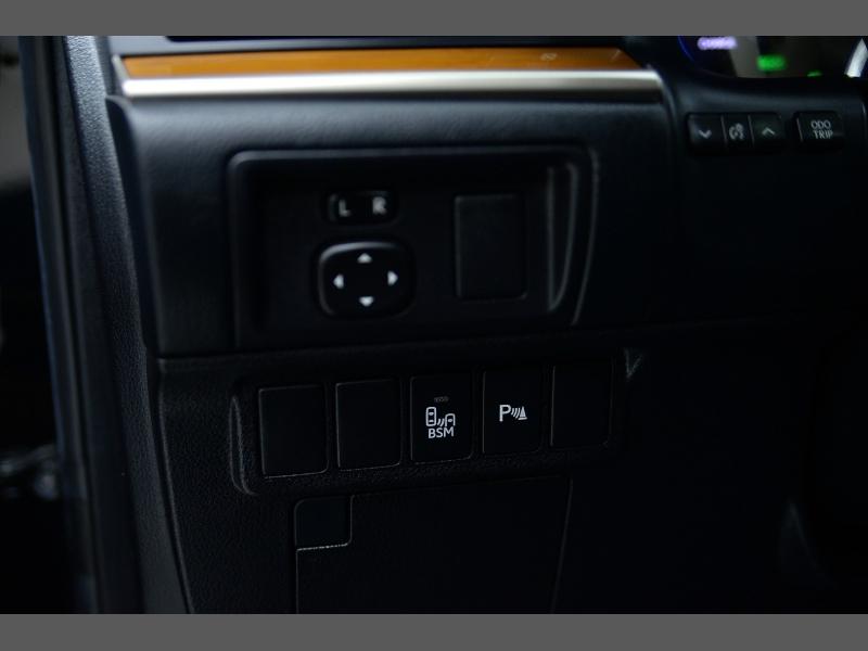 Lexus ES 300h 2013 price $17,995