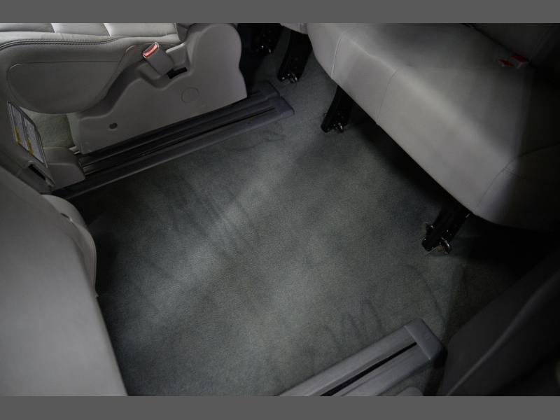Toyota Sienna 2016 price $17,995