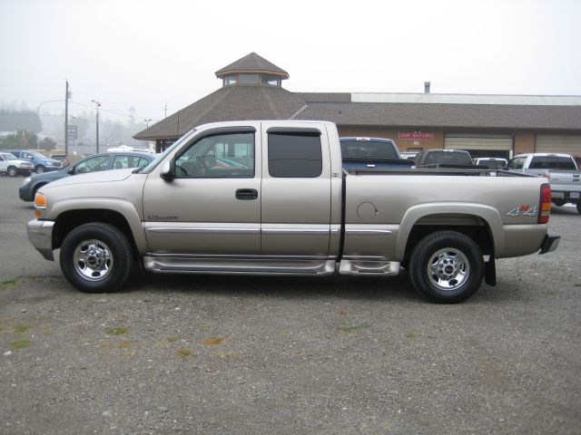 GMC NEW SIERRA 2001 price $14,995
