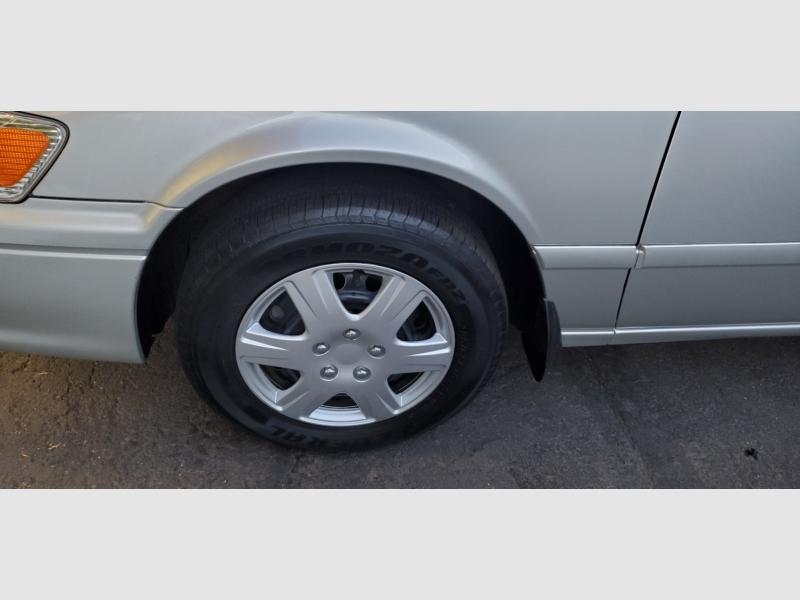 Toyota Camry 2001 price $4,991
