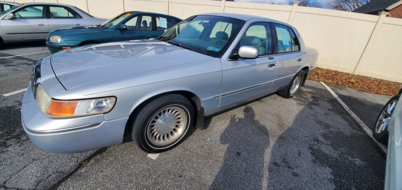 Mercury Grand Marquis 2002 price $3,700