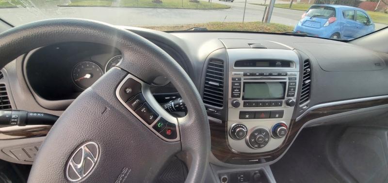 Hyundai Santa Fe 2011 price $6,000