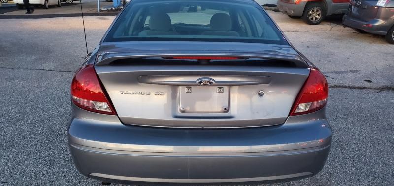 Ford Taurus 2007 price $3,795 Cash