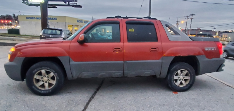Chevrolet Avalanche 2002 price $4,500 Cash