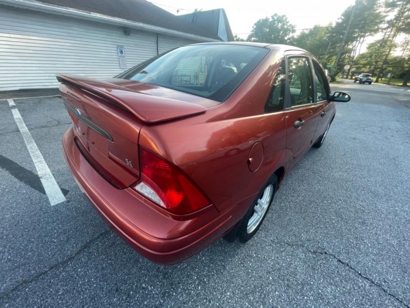 Ford Focus 2000 price $2,200 Cash