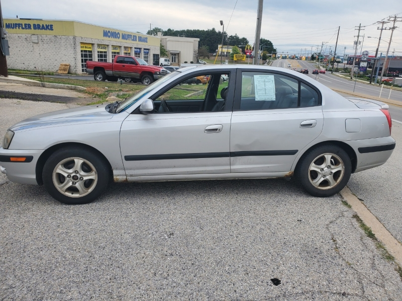 Hyundai Elantra 2004 price $2,795