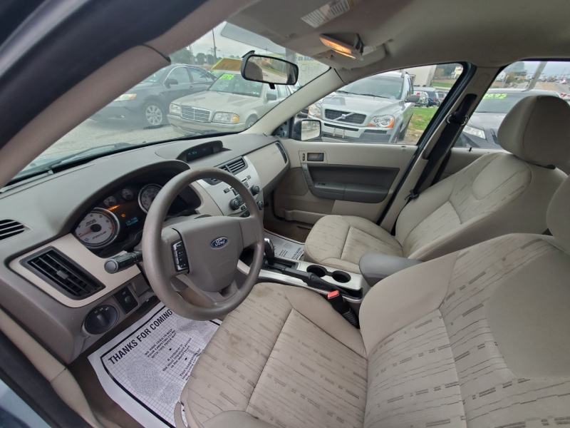 Ford Focus 2009 price $3,995 Cash