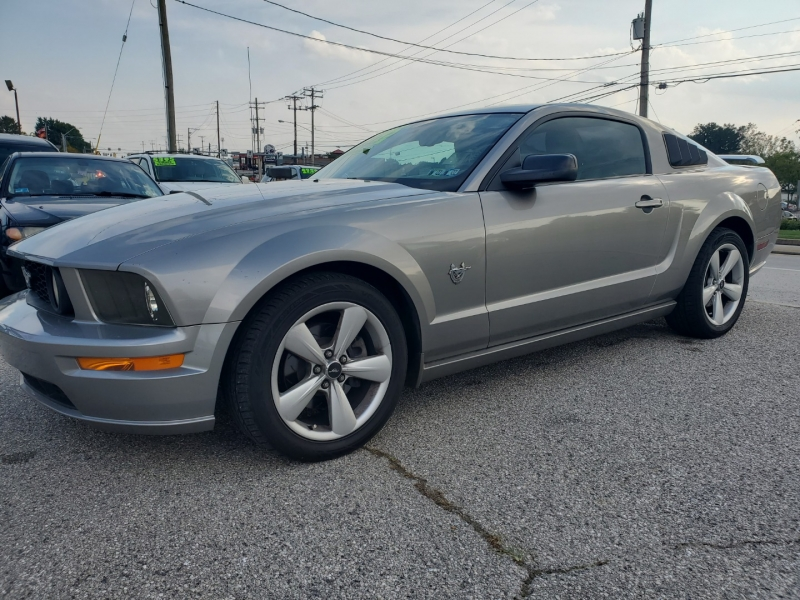 Ford Mustang 2009 price $7,500 Cash
