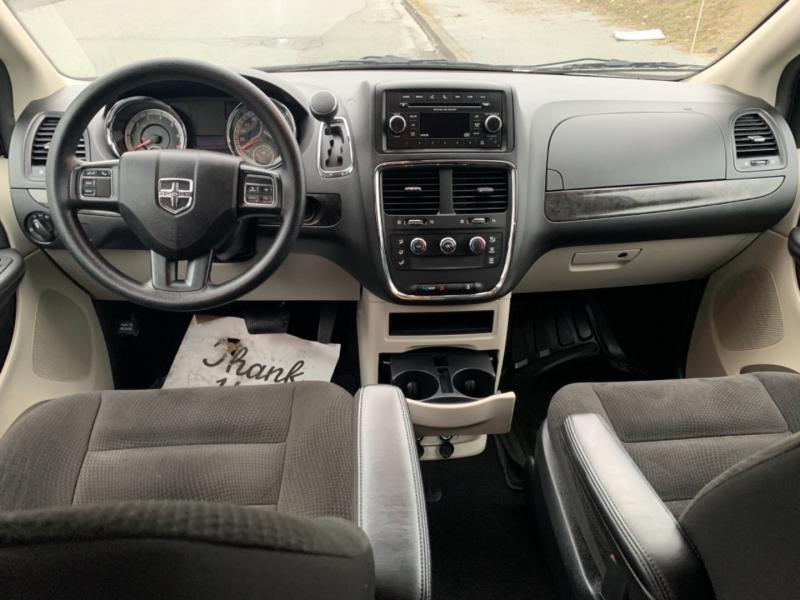 Dodge Grand Caravan 2018 price $18,995