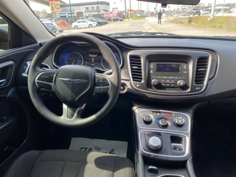 Chrysler 200-Series 2015 price $9,995