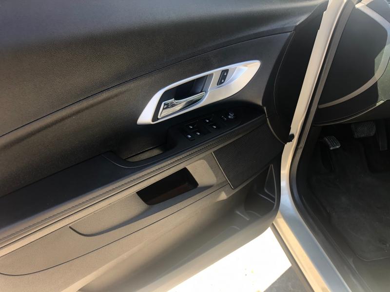Chevrolet Equinox 2015 price $10,900