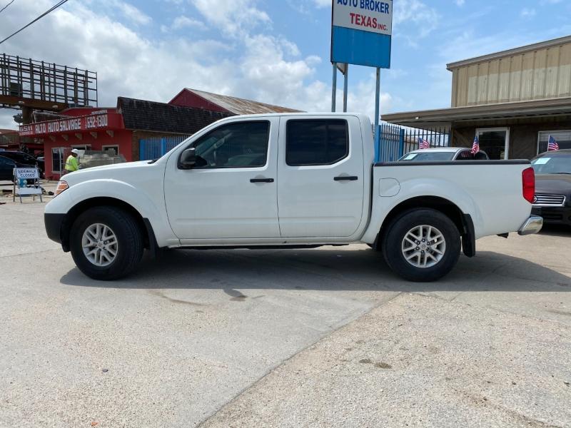 Nissan Frontier 2017 price $17,900