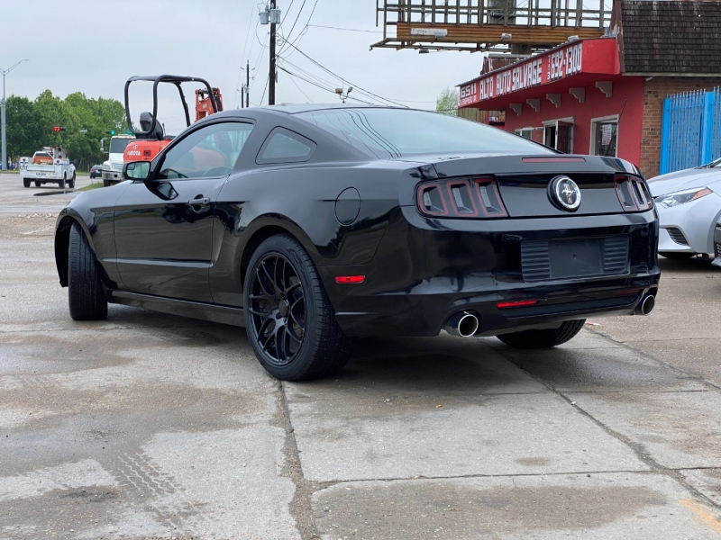 Ford Mustang 2013 price $13,900