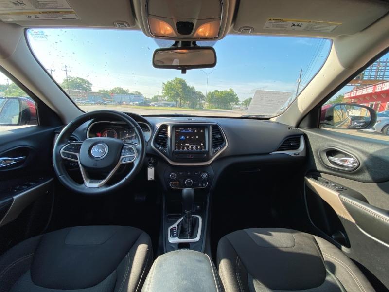 Jeep Cherokee 2017 price $16,900