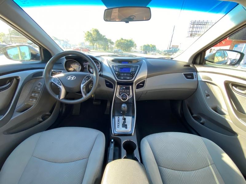 Hyundai Elantra 2013 price $10,900