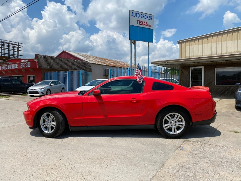 Ford Mustang 2012 price $12,900